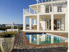 Luxury Villas, Mansions, Private Home Rentals, Luxury Apartments, Holidays in South Africa, Cape Town, Johannesburg, Durban, Camps Bay, Clifton, Umhlanga Rocks.